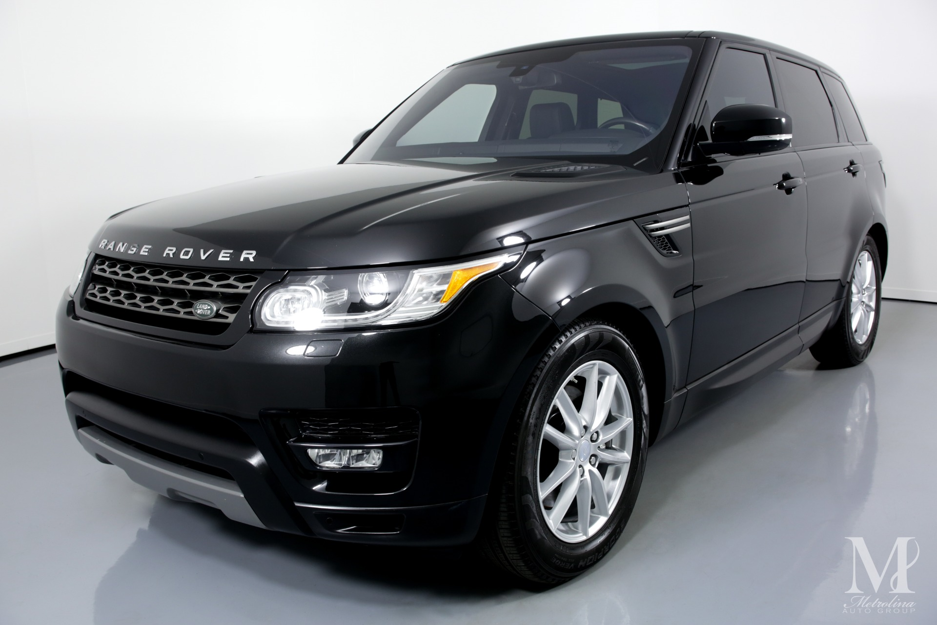 Used 2016 Land Rover Range Rover Sport SE AWD 4dr SUV for sale Sold at Metrolina Auto Group in Charlotte NC 28217 - 4