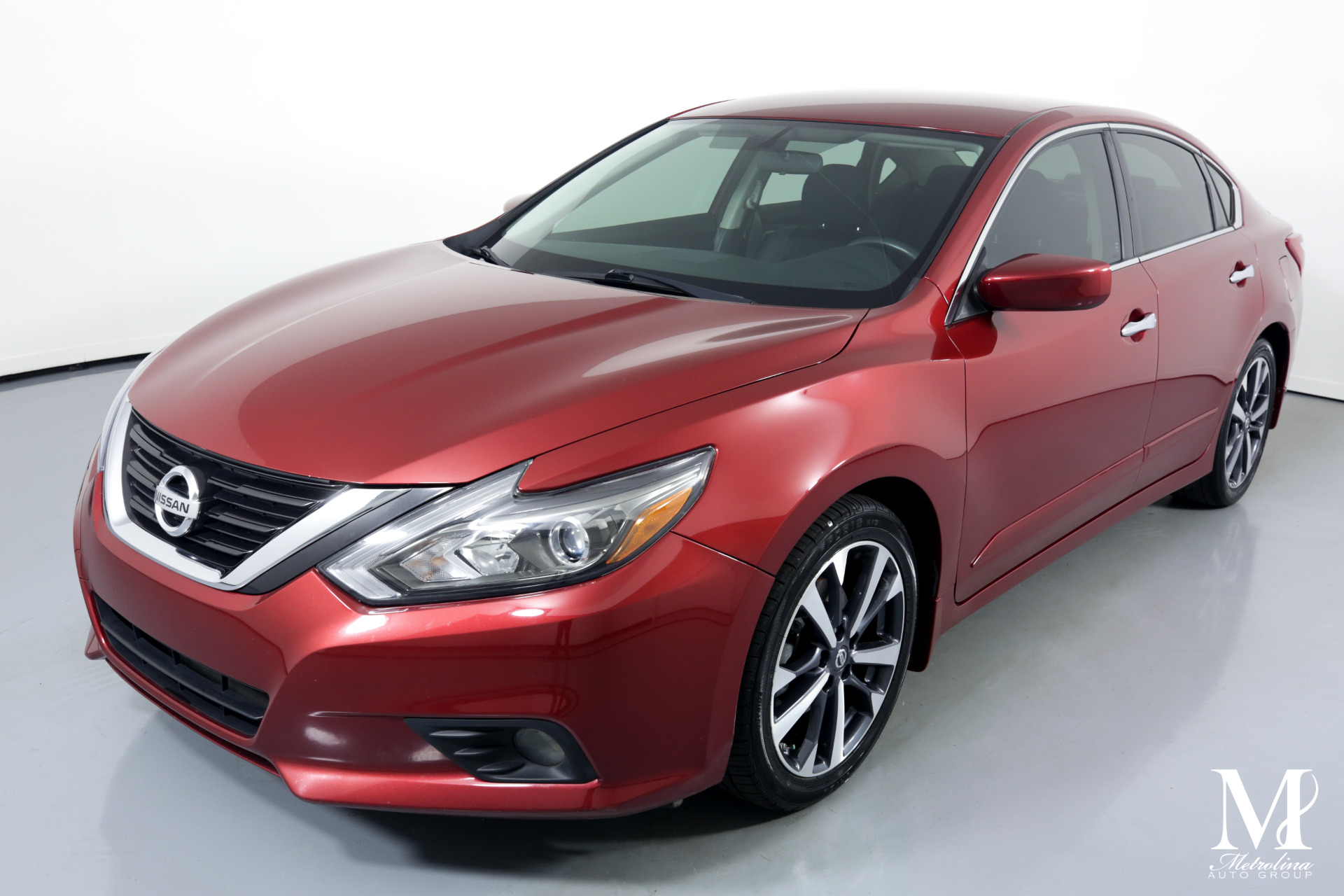 Used 2016 Nissan Altima 2.5 SR for sale $11,996 at Metrolina Auto Group in Charlotte NC 28217 - 4